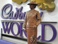 Chocolate Lady Living Statue